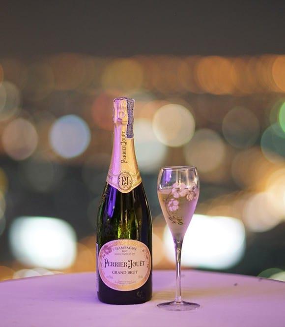 World's highest open-air Champagne Bar